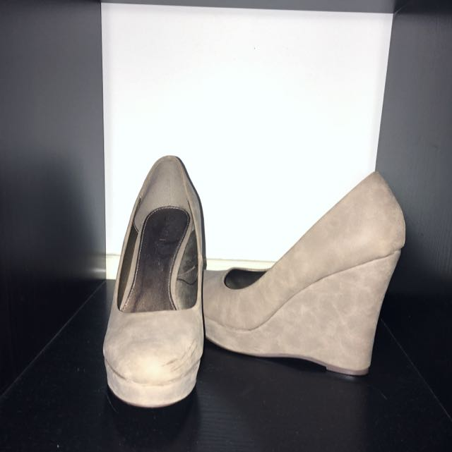 Nude Wedges X