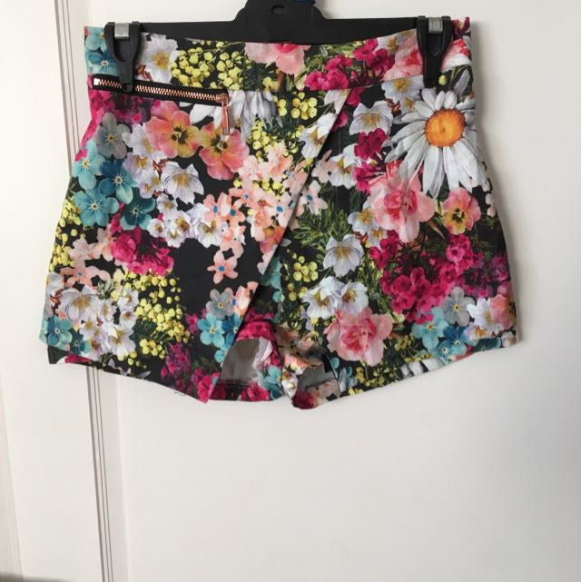 Size 8 River Island Floral Shorts