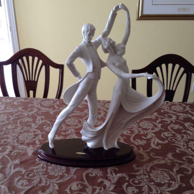 Statue By Sautiui