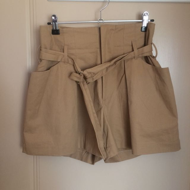 Tanned Shorts