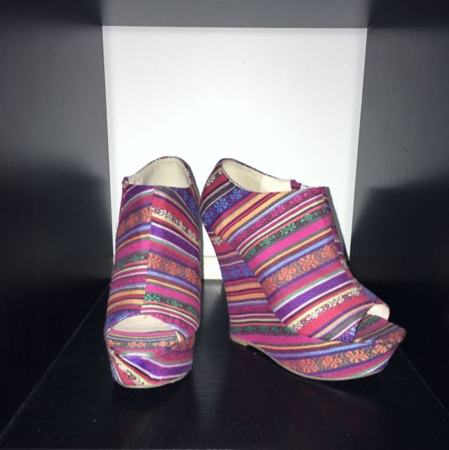 Unique Pattern Wedges X