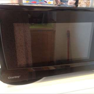 Microwave - Excellent Condition