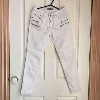White Skinny Leg Jeans Size 7