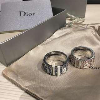 Dior 經典LoGo字樣戒指 藍直徑1.8cm 粉直徑1.65cm 兩個一起販售 不拆賣 約85成新