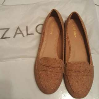 ZALORA 水松平底鞋