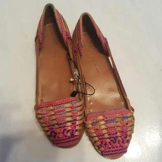 ZARA 民族鞋