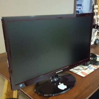 Samsung LED 20 Inch Screen