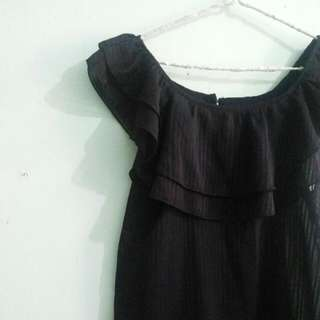 Black Sabrina Ruffle Top