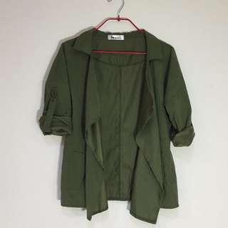 軍綠可捲袖外套