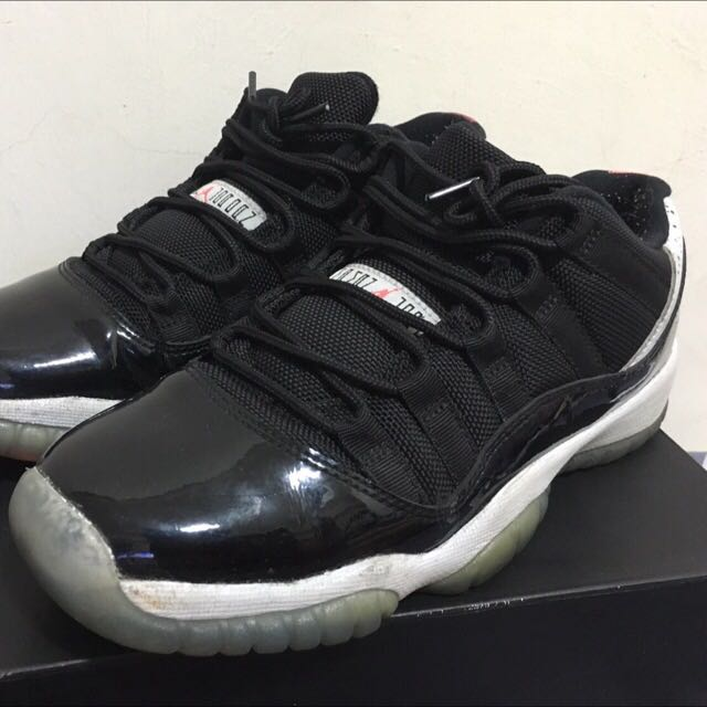 24cm-Air Jordan11代 內有 各式鞋子 球衣 牛仔褲 外套