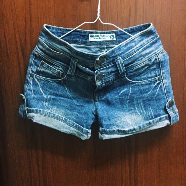 雙扣反折牛仔短褲