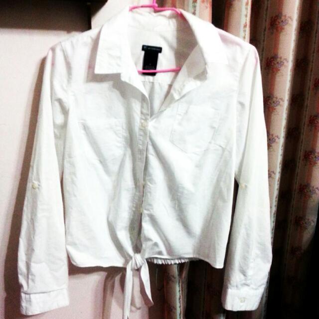 短版白襯衫 領子 綁帶 鈕扣 全白素面