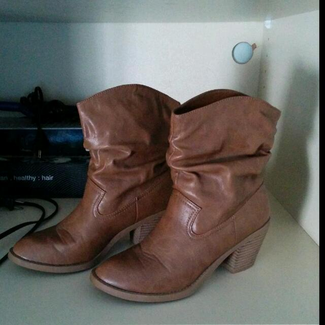 American Eagle By Payless Sz 6 1/2