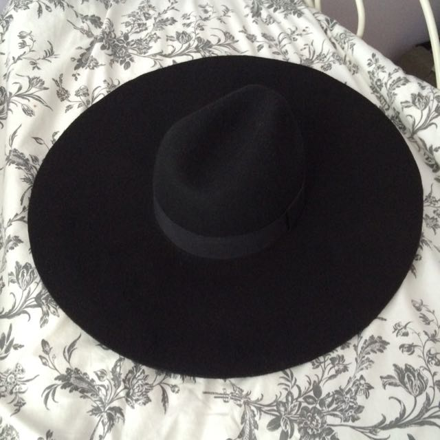 Beautiful Black Floppy Hat