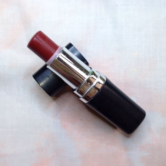 Everbilena Feirce Red Lippie