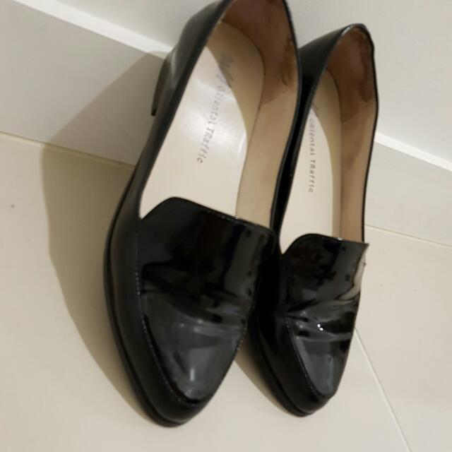 Oriental Traffic Shoes Size 8