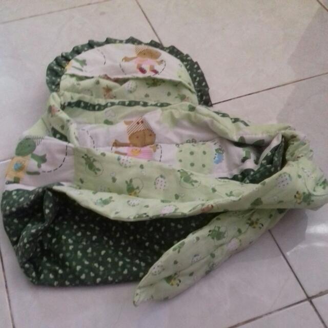 Preloved Gendongan Bayi