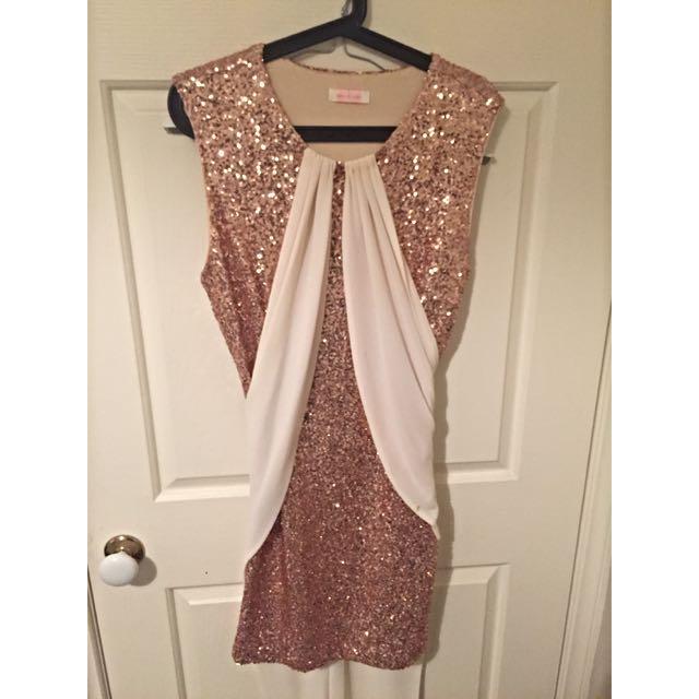 ef3e799e Sass & Bide Wanderlust Gold Sequin Dress, Women's Fashion, Clothes on  Carousell