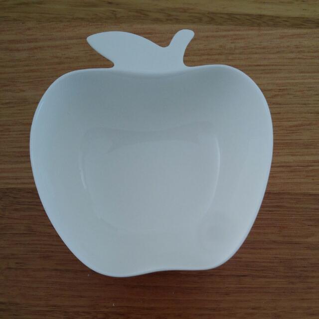 Small Apple Dish White 10x10cm