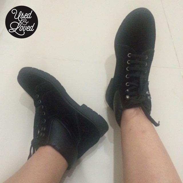Topshop - Black Lace Shoes