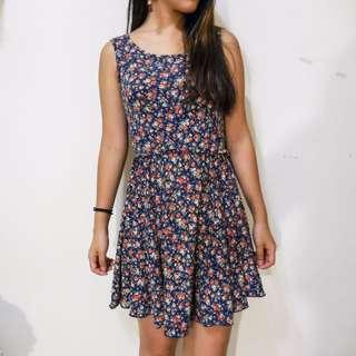 藍色無袖碎花洋裝