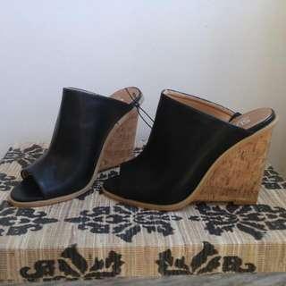 Suzy Shier heels Size 7
