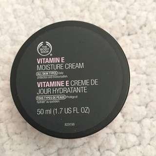 The Body Shop Vitamin E Cream
