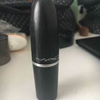 MAC Retro Matte Lipstick in Dangerous
