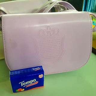 粉紫色斜孭袋