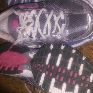 Ladys Nike Runners