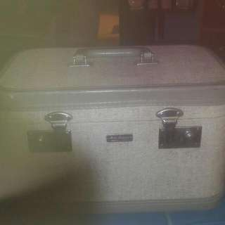Vitage Make Up Suit Case