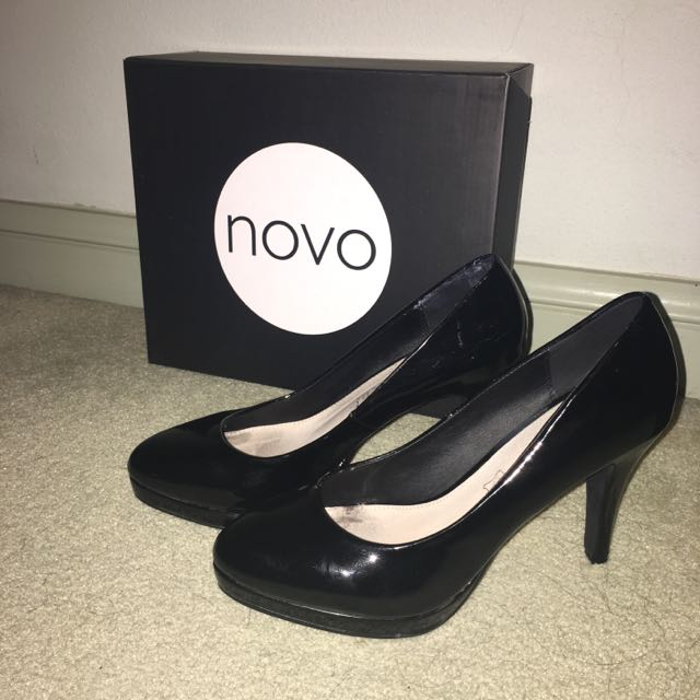 Black Novo Heels Size 8
