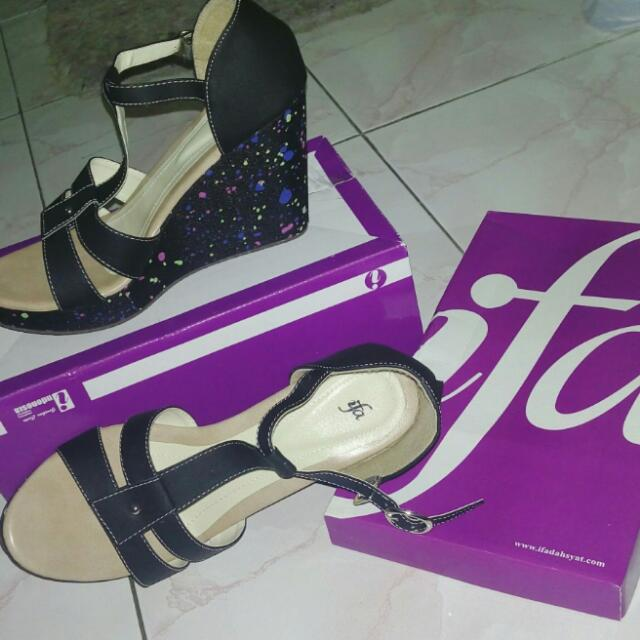 Black Wedges by IFA