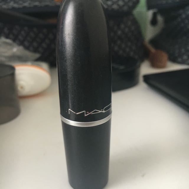 MAC Retro Matte Lipstick in Dangerous