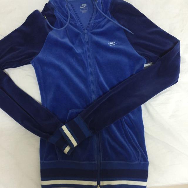 Nike珊瑚絨外套