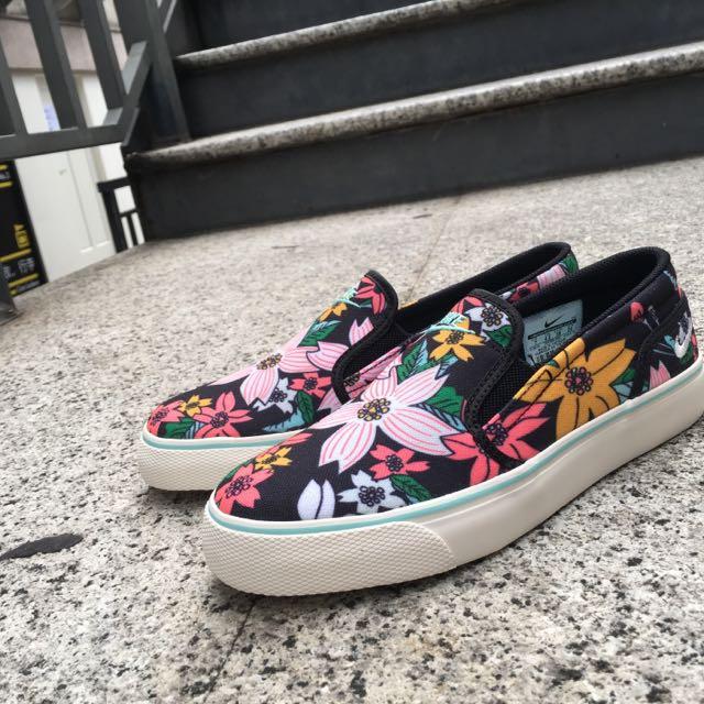 Nike Toki 懶人鞋 花卉