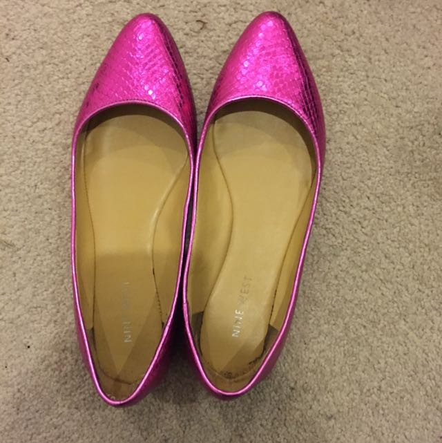 Nine West Size 5.5 Hot Pink Flat