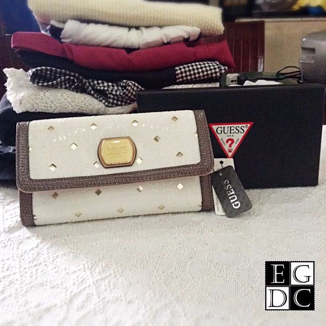 SPECIAL ITEM: Guess Wallet