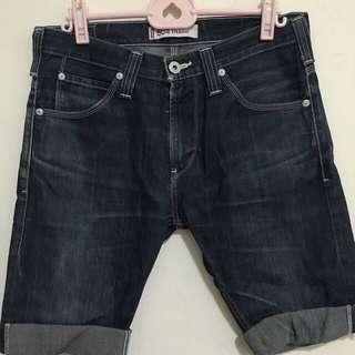 32腰-Levis504牛仔短褲 內有 各式鞋子 球衣 牛仔褲 外套