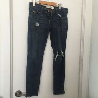 Hollister Ripped Jegging Jeans-size 27