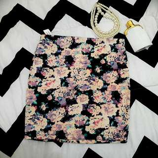 Bershka Mini Skirt Size : M - 28