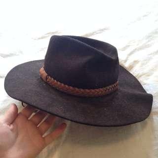 Black akubra / wool felt hat