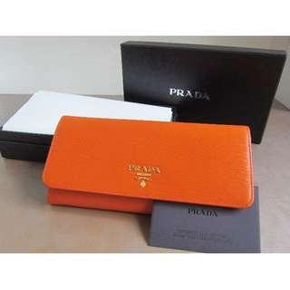 <BNIB> Authentic Classic Prada Saffiano Wallet (Orange)