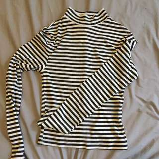 BRAND NEW stripped Cropped Turtle Neck