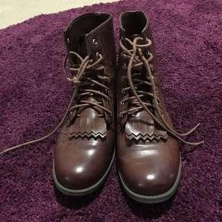 H & M Dividend Brown Boots Sz 8