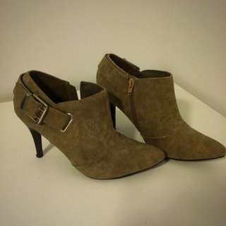 Ankle Boots Sz 8