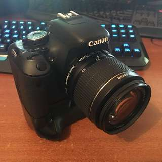 Canon 600D with 18-55mm Kit lens and Battery Grip