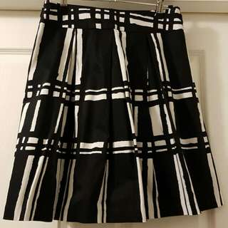 Women's Review Skirt Size 8