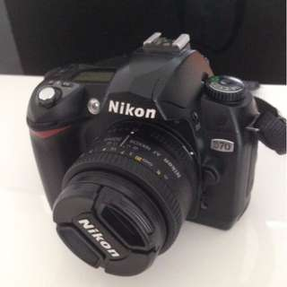 Nikon D70 kit with two lens.