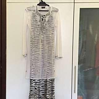 Sheer Baju Kurung Top + Zebra-patterned Kain  (set)